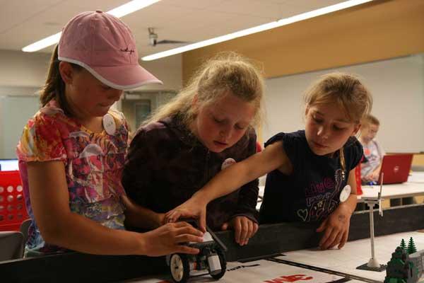 Robotics Camp-girls