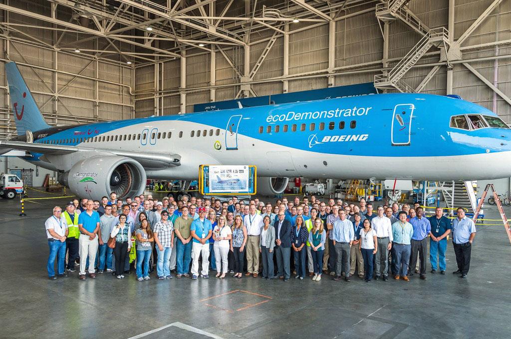 ecoDemonstrator team celebrating on the last day of the flight test program.
