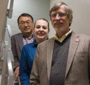 (From left) Drs. David Jeong, Jennifer Shane and Chuck Jahren (Photo by Kate Tindall)