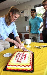 Merjem Mededovic cutting cake