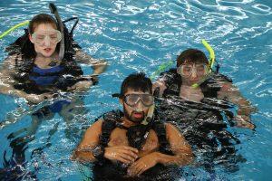 Student scuba divers