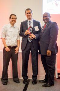 Faculty member receives award